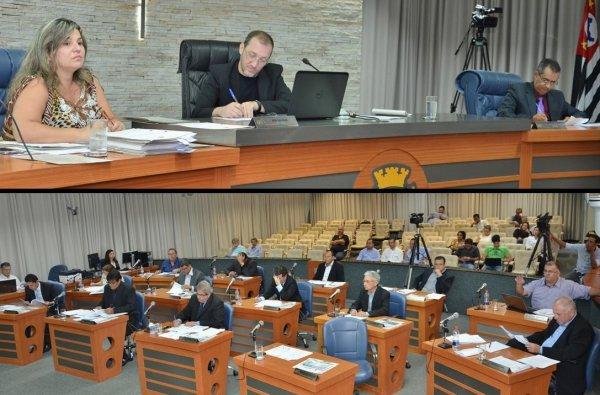 <a href='http://www.camarabarretos.sp.gov.br/noticia/confira-os-resultados-da-sessao-ordinaria-desta-segunda-feira-09-de-novembro!4462'>Confira os resultados da Sessão Ordinária desta segunda-feira, 09 de novembro</a>