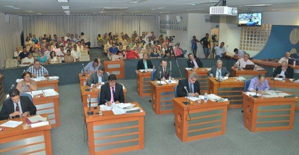 <a href='http://www.camarabarretos.sp.gov.br/noticia/confira-os-resultados-da-ultima-sessao-ordinaria-de-2015!4475'>Confira os resultados da última Sessão Ordinária de 2015</a>
