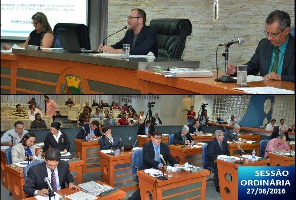 <a href='http://www.camarabarretos.sp.gov.br/noticia/confira-os-resultados-da-ultima-sessao-ordinaria-antes-do-recesso-parlamentar!4543'>Confira os resultados da última Sessão Ordinária antes do recesso parlamentar</a>