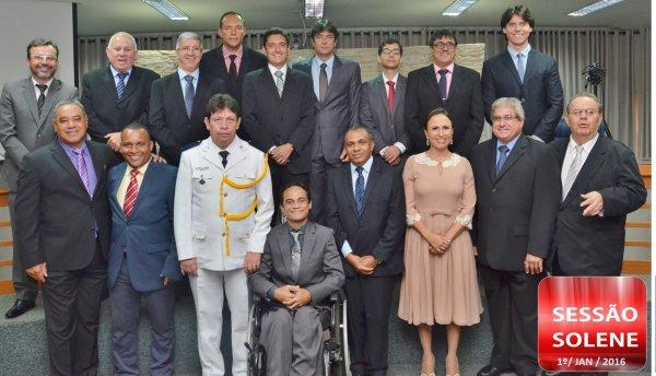 <a href='http://www.camarabarretos.sp.gov.br/noticia/mandato-2017-a-2020-ja-tem-novos-ocupantes-e-camara-elege-presidente!4600'>Mandato 2017 a 2020 já tem novos ocupantes e Câmara elege Presidente</a>