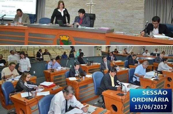 <a href='http://www.camarabarretos.sp.gov.br/noticia/confira-os-resultados-da-sessao-ordinaria-desta-terca-13-de-junho!4644'>Confira os resultados da Sessão Ordinária desta terça, 13 de junho</a>