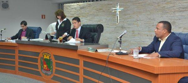 TEMPO REAL: Acompanhe as votações na Sessão Extraordinária desta segunda, 18/12/2017 da Câmara Municipal de Barretos-SP - Foto 4