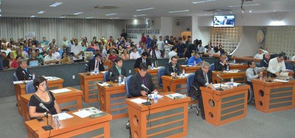TEMPO REAL: Acompanhe as votações na Sessão Extraordinária desta segunda, 18/12/2017 da Câmara Municipal de Barretos-SP - Foto 5