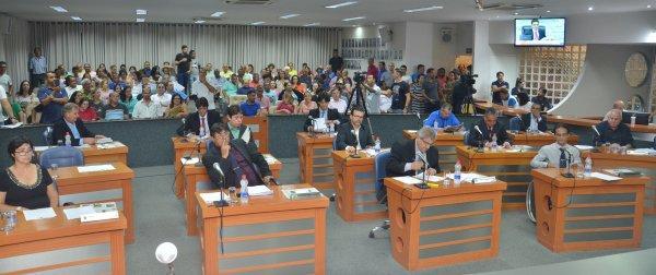 TEMPO REAL: Acompanhe as votações na Sessão Extraordinária desta segunda, 18/12/2017 da Câmara Municipal de Barretos-SP - Foto 6