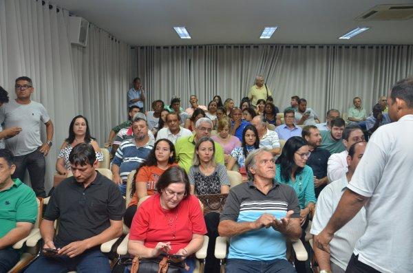 TEMPO REAL: Acompanhe as votações na Sessão Extraordinária desta segunda, 18/12/2017 da Câmara Municipal de Barretos-SP - Foto 8