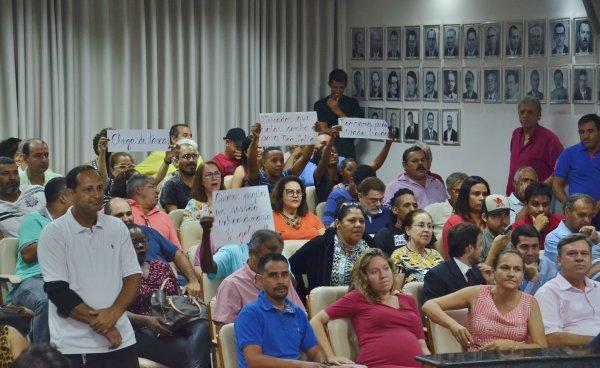 TEMPO REAL: Acompanhe as votações na Sessão Extraordinária desta segunda, 18/12/2017 da Câmara Municipal de Barretos-SP - Foto 9