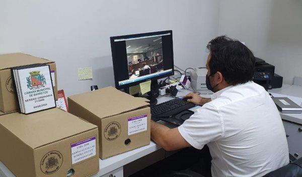 <a href='https://camarabarretos.sp.gov.br/noticia/historia-camara-disponibiliza-videos-antigos-no-youtube!5092'>HISTÓRIA: Câmara disponibiliza vídeos antigos no Youtube</a>