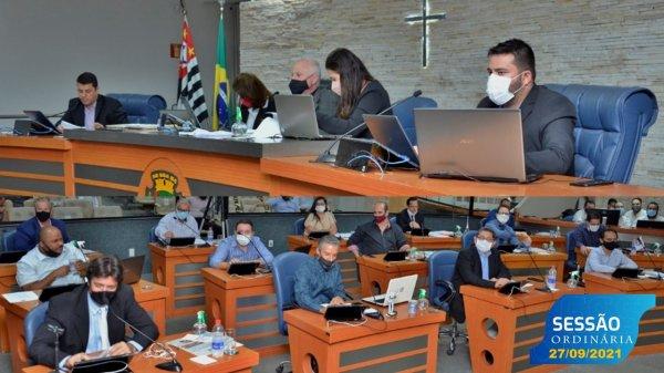 <a href='https://camarabarretos.sp.gov.br/noticia/confira-as-votacoes-da-sessao-desta-segunda-27!5113'>Confira as votações da Sessão desta segunda, 27</a>